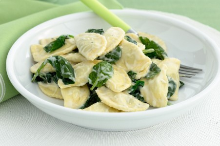 spinach-and-ricotta-agnolotti-with-creamy-cheese-sauce-30220-1.jpeg