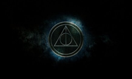 harry_potter_deathly_hallows_wallpaper_by_mrstonesley-d4hsdd9.jpg